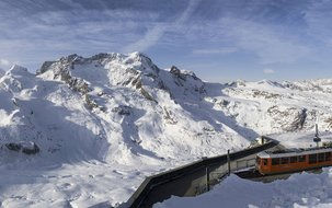 Panorama-Gornergrat-GGB-MGBahn-2 (3'917 x 1'279 px / 1,44 MB) <a href='fileadmin/user_upload/Panorama-Gornergrat-GGB-MGBahn-2.jpg' download class='dlink'>Download Link</a>